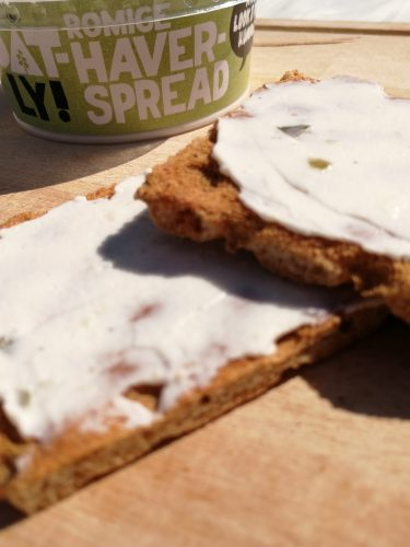 Today Tries | Oatly haverspread knoflook/komkommer